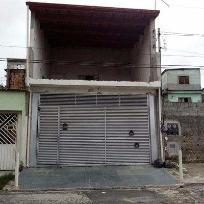 Casa Em São Paulo - Com 6 Cômodos, 2 Banheiros, 2 Vagas