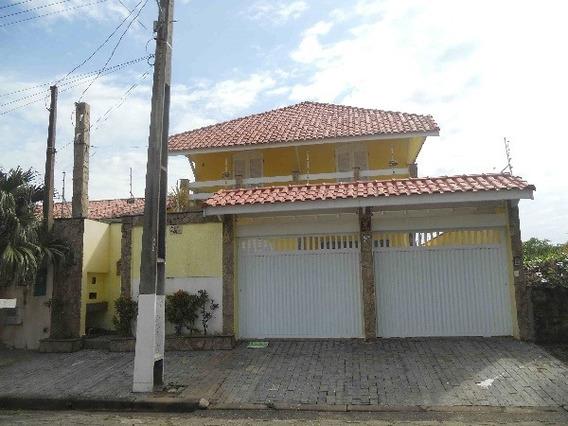 200- A Casa Em Peruíbe De Frente Para O Mar Com 250m²