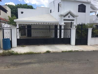 Casa Para Uso Comercial En Av Jp Duarte