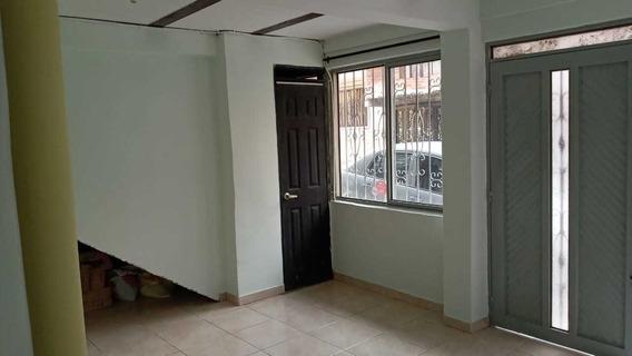 Se Renta Casa En Samaria 2