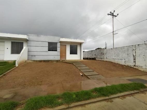 Casa En Alquiler Cabudare 20-20753 (04245563270) Nd