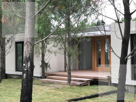 Casa En Venta En Costa Esmeralda, Residencial 2