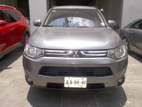 Mitsubishi Outlander Limited 2014