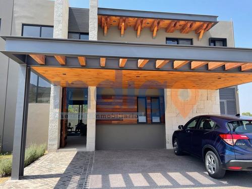 Imagen 1 de 30 de Casa En Venta En Altozano  Mod Basalto