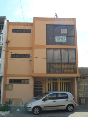 Casa En Alquiler Barrio Santa Elena
