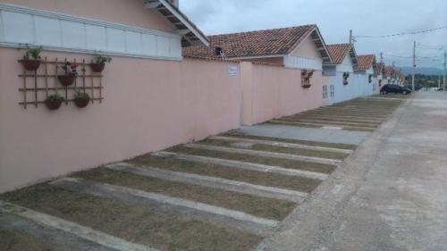 Casa Em Itanhaém Ficando Lado Serra Com 50m² Total 5574e