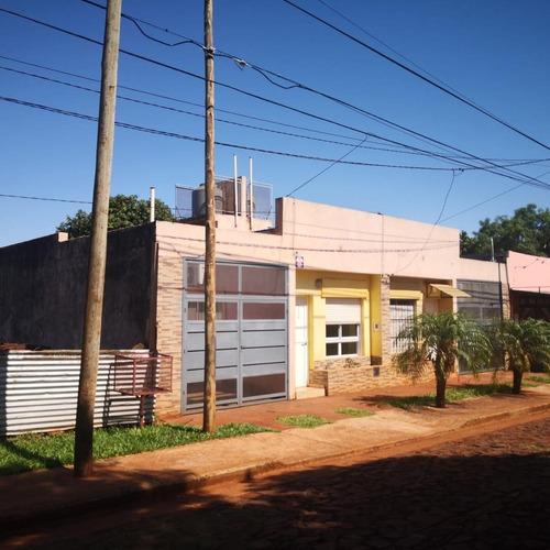 Casa  2 Dormitorios Con Cochera Y Patio