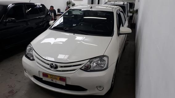 Toyota Etios Sedán 1.5 Xs 2014