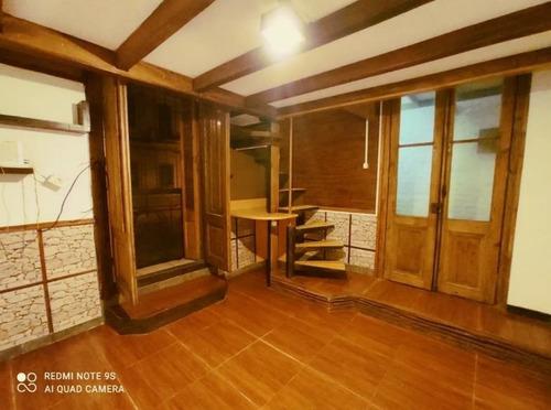 Alquiler Casa Reciclada En Aguada. 2 Dormitorios.