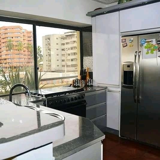 Venta Amplio Apartamento De 2 Niveles En Av.principal Lecher