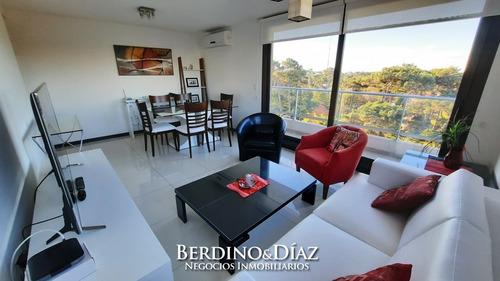 Apartamento Con Vista Al Bosque En Stradivarius- Ref: 897