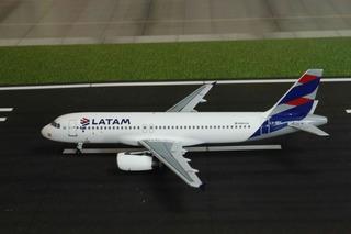 Airbus A320 Latam Argentina - Aeroclasssic 1/400