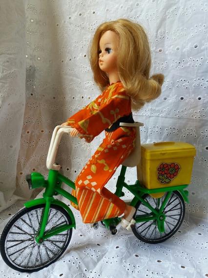 Boneca Susi Ciclista Antiga Estrela Com Bicicleta Usada