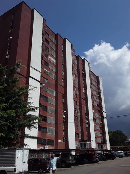 Apartamento Remodelado En Residencias San Cristóbal