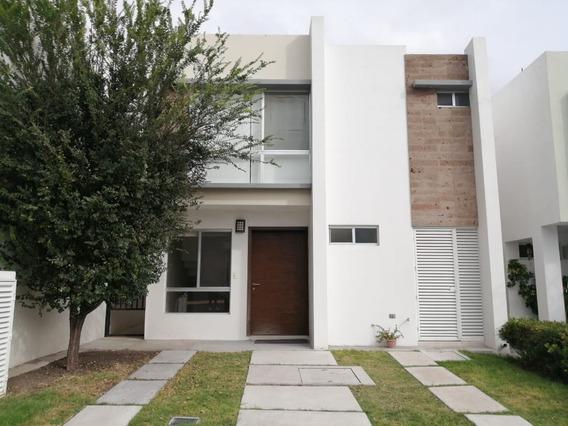 Rento Casa Queretaro El Refugio Priv. Amenidades 3rec Estudi
