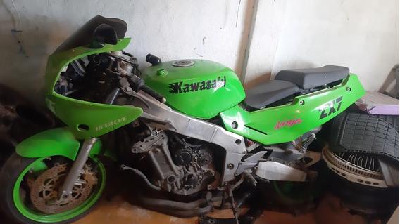 Kawasaki Ninja Zx-750
