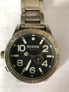 Reloj Nixon Acero Fondo Negro Sumergible 300 Metros