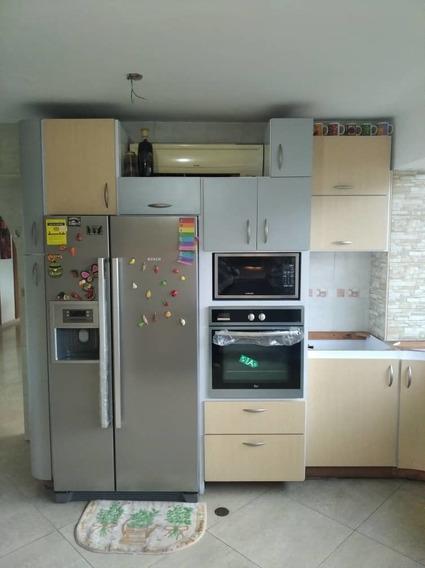 Apartamento En Resd.las Delicias - Vanessa 04243219101