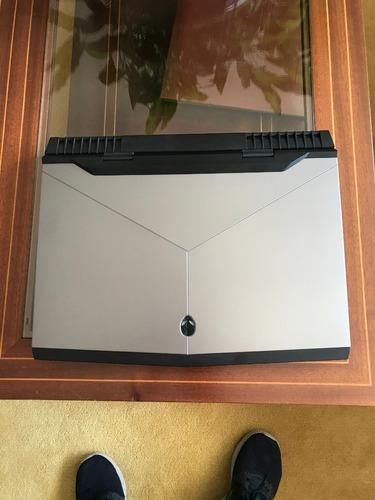 Alienware 17.3 R5 - 4k - I9-8950hk - 32gb