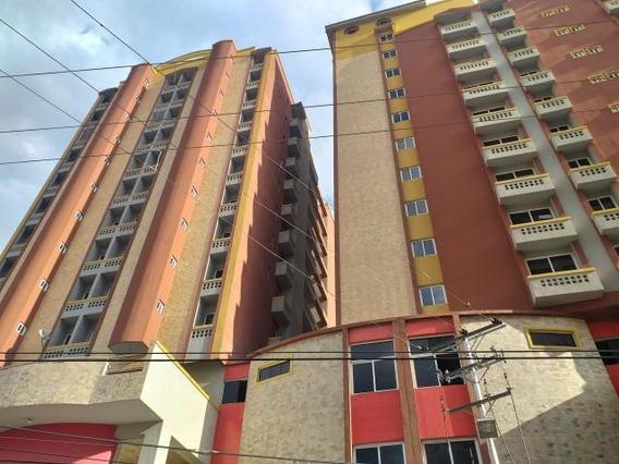 Apartamento En Venta Urb Los Caobos, Maracay Zp 20-5166