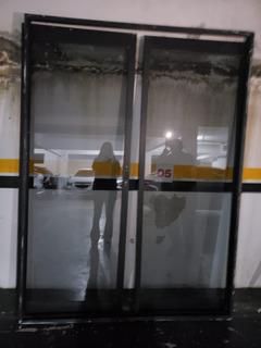 Porta De Sacada De Correr Aluminio Ja Com O Vidro E Fechadur