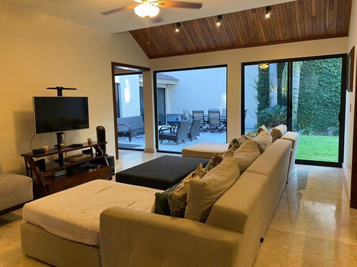 Imagen 1 de 12 de Casa Sola En Renta Real De Valle Alto