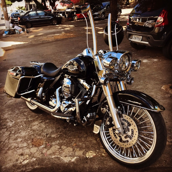 Harley Davidson Road King Classic - Customizada