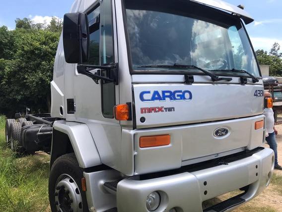 Ford Cargo 4331 - 2004 - 6x2 - Motor Novo - Semi Leito