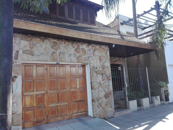 Venta Casa 4 Ambientes Con 3 Baños, Garage Y Patio. Castelar