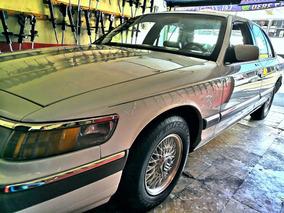 Ford Grand Marquis Piel