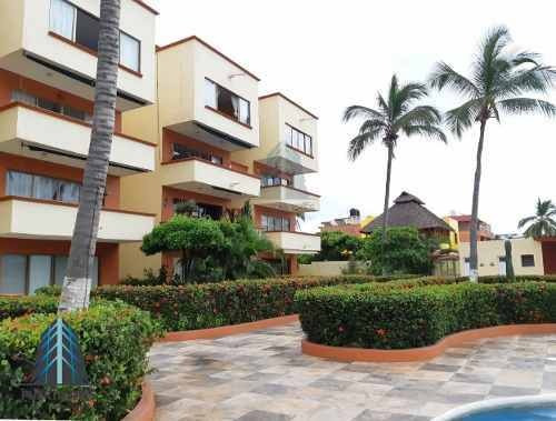 Penthouse With Extraordinary View In Condominio Pelicanos