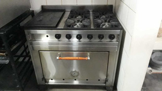Cocina Industrial 4 Hornallas Más Plancha