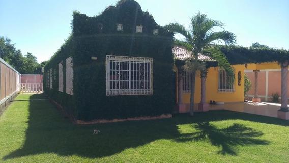 Quinta De Una Sola Planta En Venta En Col. El Cedro, Villahermosa, Tabasco