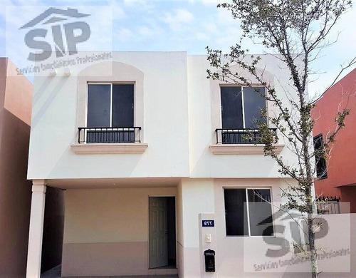 Casa Nueva En Renta En Jacarandas, Apodaca, Nuevo León.