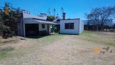Casa En Renta De Una Planta En Zavaleta Con Amplio Jardin