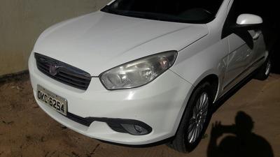Fiat Grand Siena 1.6 16v Essence Flex 4p 2013