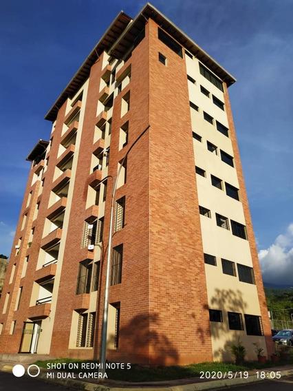 Apartamento , 3 Habitaciones ,2 Baños , Excelente Zona
