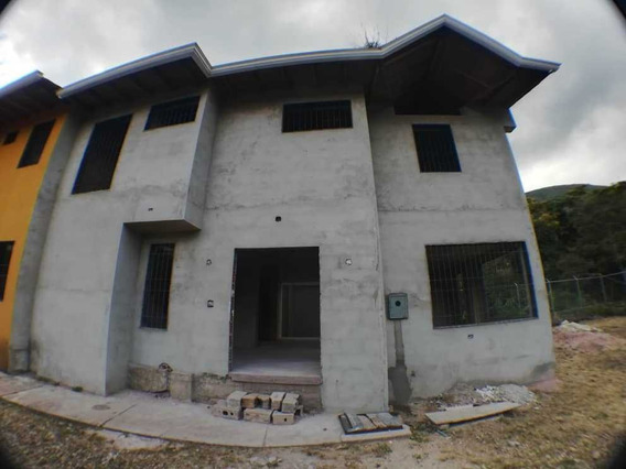 Casa Pueblo Nuevo, Poligono De Tiros San Cristobal