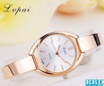 Relógio Feminino Oval Lupai Dourado Com Fundo Branco