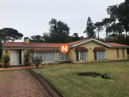 Linda Casa En Mansa- Ref: 214198