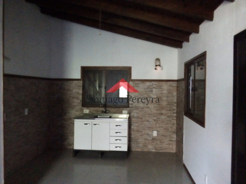 En Venta Casa Balneario Buenos Aires - Ref: 6454