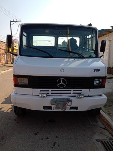 Imagem 1 de 15 de Mercedes Bens 710 2005