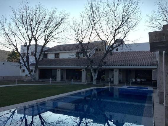 Casa En Venta En Fracc. Las Trojes, Torreón