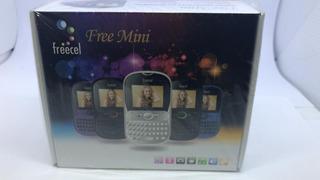 Celular Freecel Mini 3chips - Preto/vermelho Vitrine