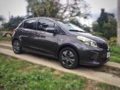 Toyota Yaris Yaris Hatchback 2014
