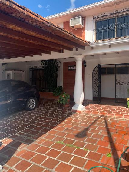 Casa En Alquiler Urb Algarrobos