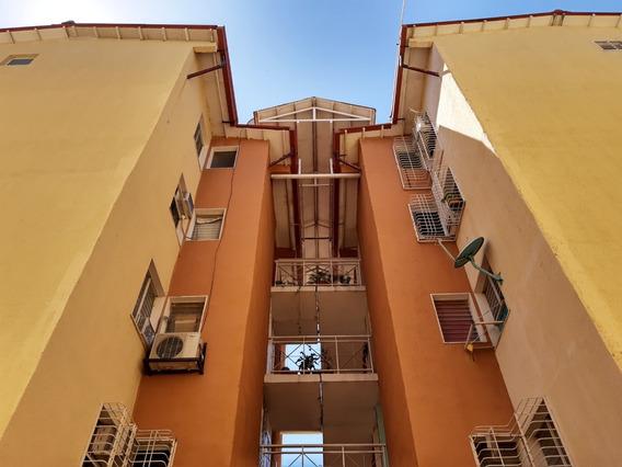 Bello Y Económico Apartamento En Venta Maracay Jaaf 19-19938