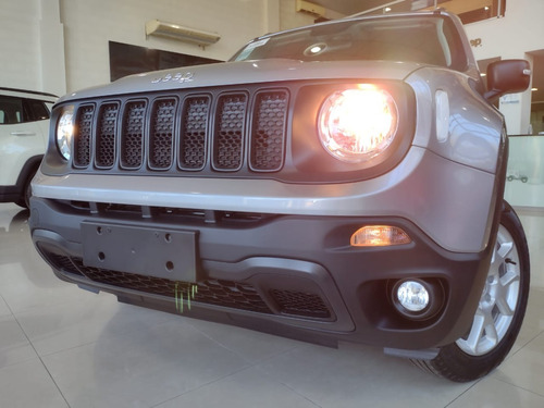 Jeep Renegade Sport 1.8 At6