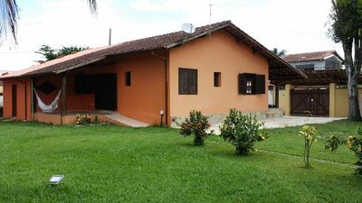 Alugo Casa Com 3 Dormitórios, Sala, Lavabo, Cozinha E Varand