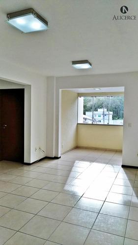 Apartamento Com 2 Dormitórios No Água Verde! - 2468